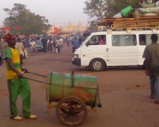 Bobo Dioulasso: la foule aux abord du marché central