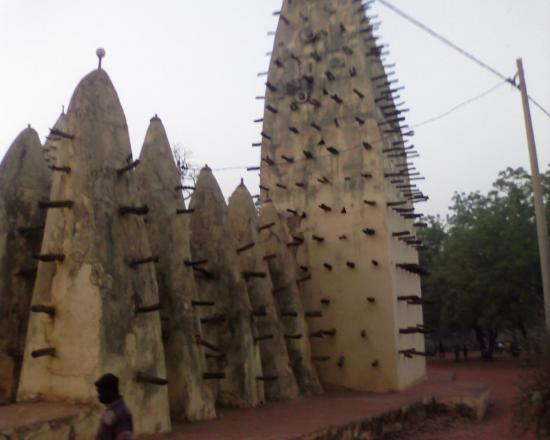 Bobo Dioulasso:La mosquée de Dioulassoba monument historique de la vil