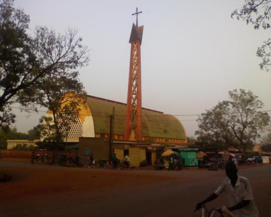 Bobo Dioulasso: la cathedrale de la ville