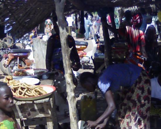 Marché de Komsilga:le coura-coura