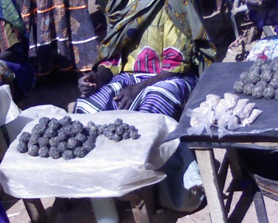 Marché de Komsilga: le soumbala