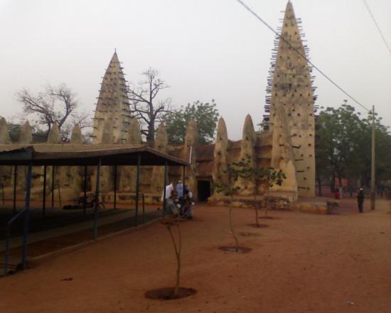 Bobo Dioulasso: La mosquée de Dioulassoba monument historique de la vi