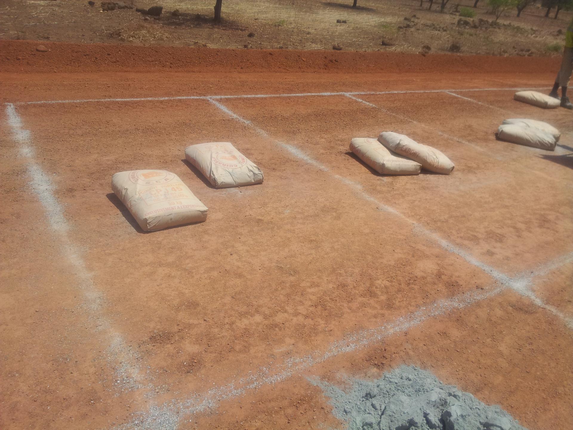 Le sol Ciment. Il s'agit plutôt de l'amélioration à 2.5% de ciment de la couche de fondation.